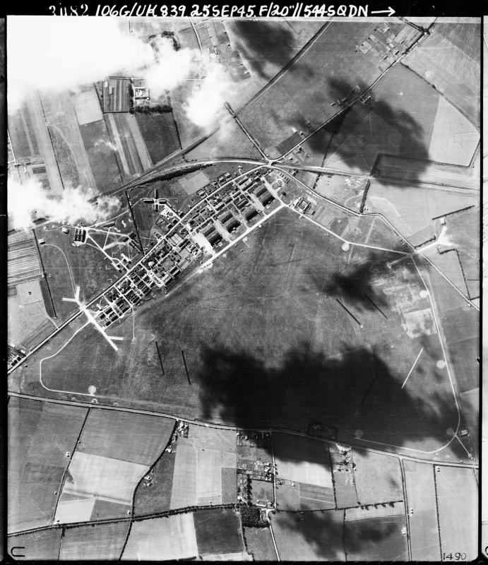 Aerial photograph of Andover airfield looking south, 25 September 1945. Photograph taken by No. 544 Squadron, sortie number RAF/106G/UK/839. English Heritage (RAF Photography).