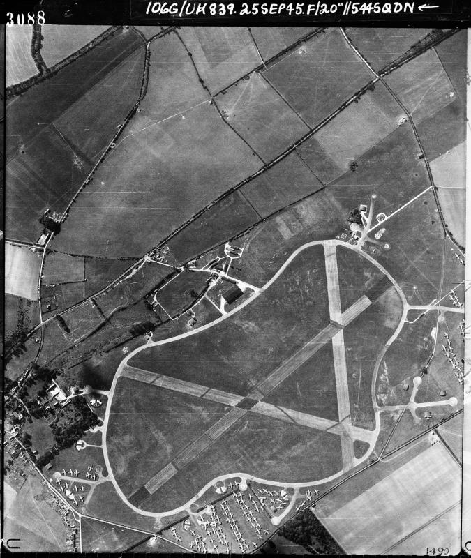 Aerial photograph of Thruxton airfield looking south, a T2 hangar is at the top of the airfield, 25 September 1945. Photograph taken by No. 544 Squadron, sortie number RAF/106G/UK/839. English Heritage (RAF Photography).