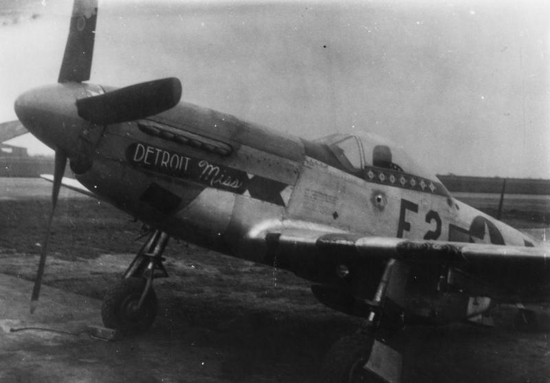 A P-51 Mustang (E2-D_, serial number 44-14164) nicknamed