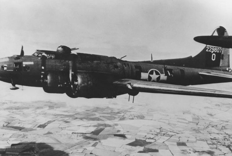 A B-17 Flying Fortress (WF-O, serial number 42-29807) nicknamed