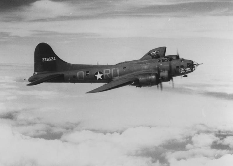 A B-17 Flying Fortress (RD-D, serial number 42-29524) nicknamed