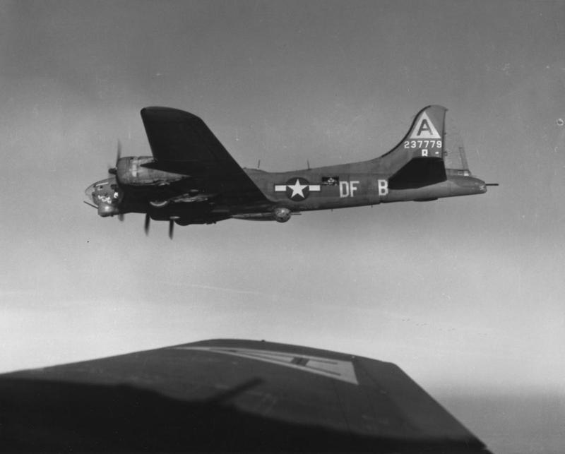 A B-17 Flying Fortress (DF-B, serial number 42-37779) nicknamed