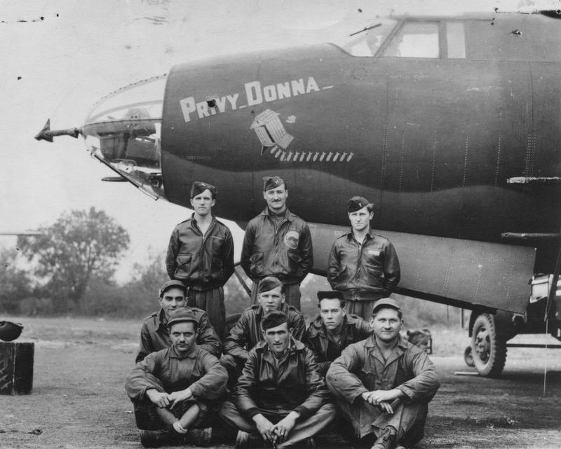 A bomber crew of the 386th Bomb Group with their B-26 Marauder (RU-A, serial number 41-31658) nicknamed