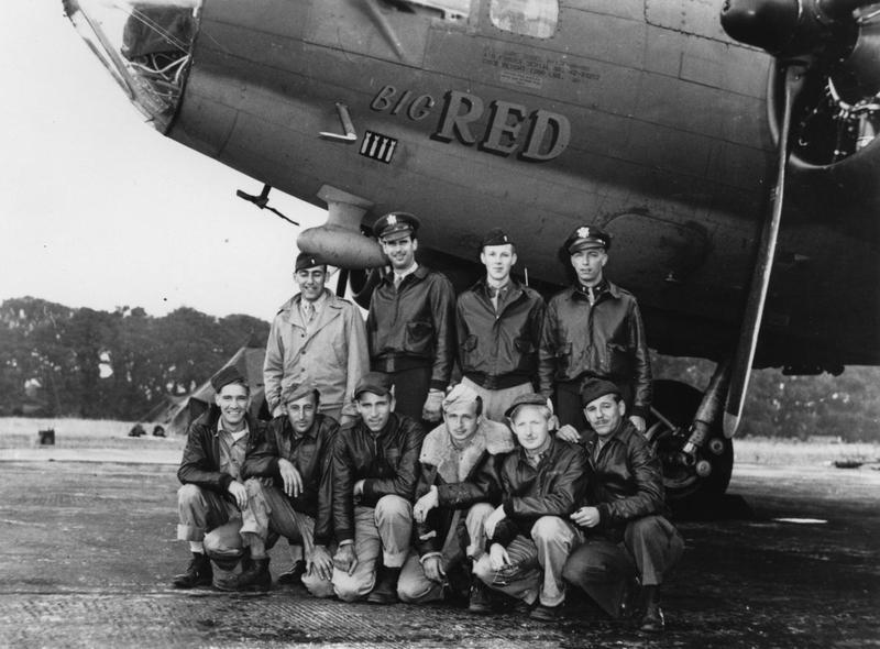 A bomber crew of the 388th Bomb Group with their B-17 Flying Fortress (serial number 42-30207) nicknamed