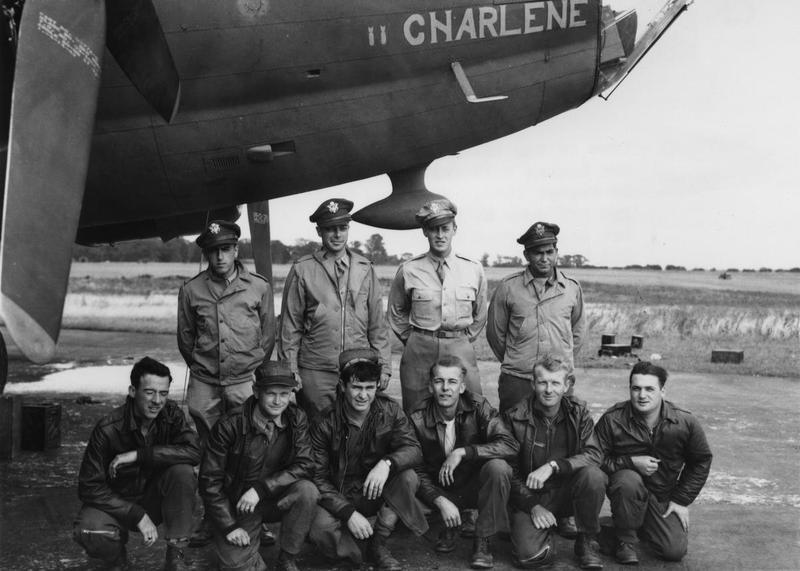 A bomber crew of the 388th Bomb Group with their B-17 Flying Fortress (serial number 42-30177) nicknamed