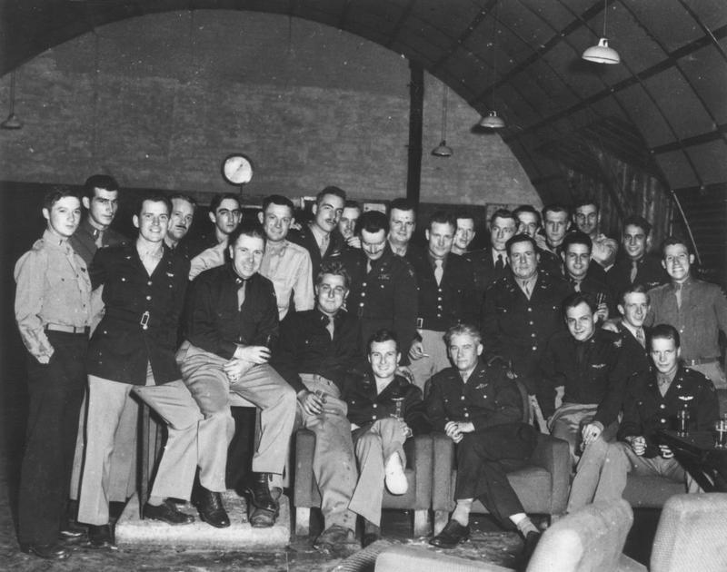 Personnel of the 489th Bomb Group inside a Nissen hut. Image via William Duffy.