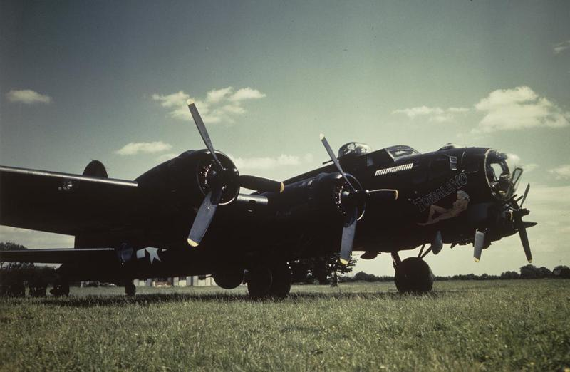 A B-17 Flying Fortress (serial number 43-37516) nicknamed