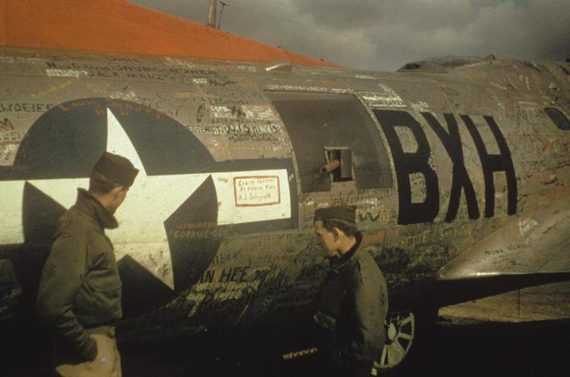 Carl Miller (Bombardier) and Woody Woodson (co-pilot) of the 96th Bomb Group with a B-17 Flying Fortress (serial number 43-37716) nicknamed