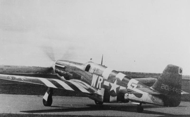 A P-51 Mustang (WR-Z, serial number 42-106448) nicknamed