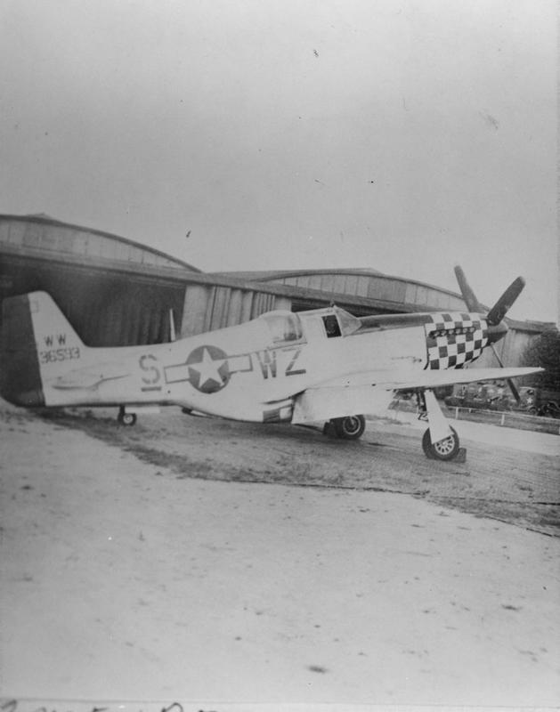 A two- seat P-51 Mustang (WZ-S_, serial number 43-6593,