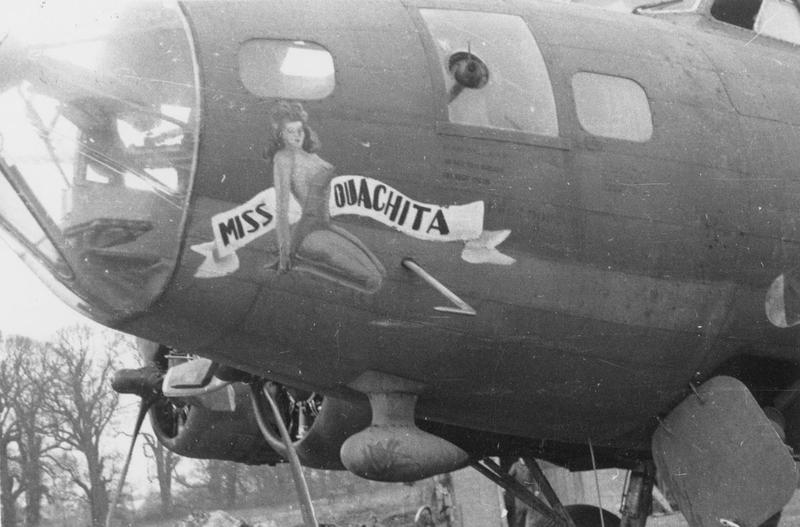 The nose art of B-17F serial 42-3040