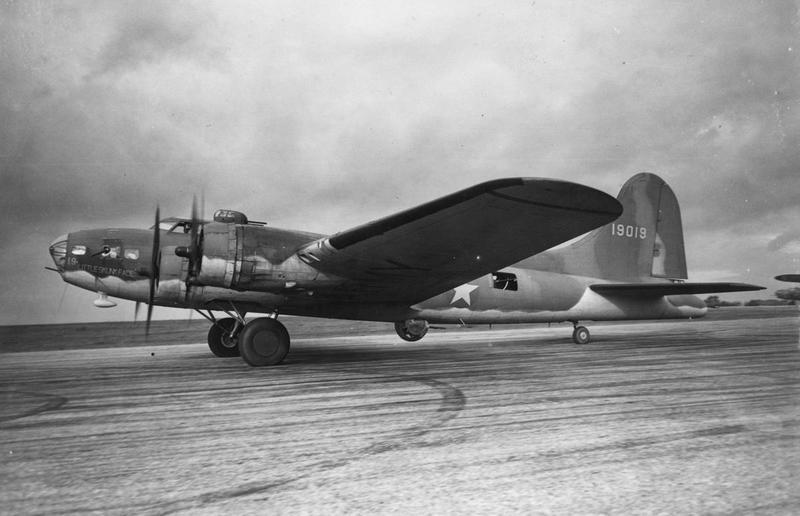 A B-17 Flying Fortress (serial number 41-9019) nicknamed