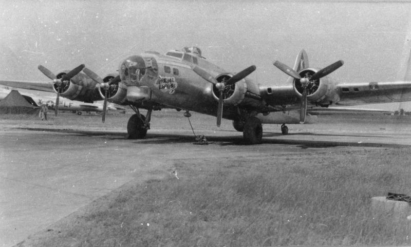 A B-17G Flying Fortress (serial number 42-97128) nicknamed