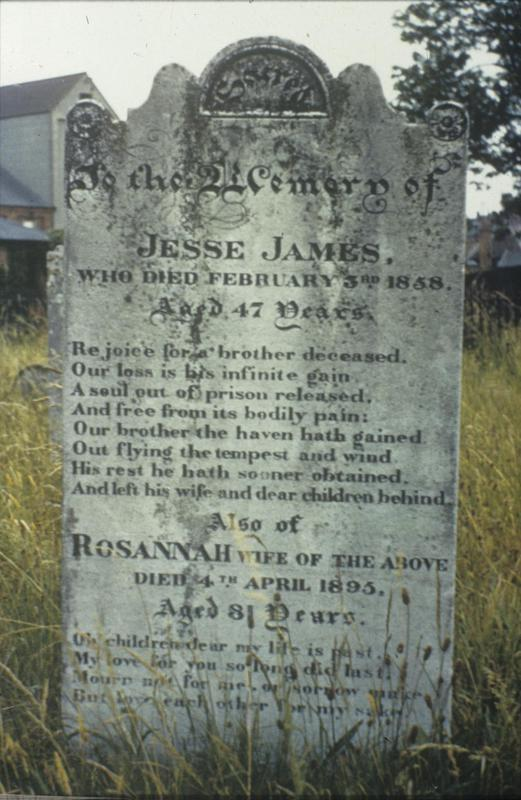 A grave in Manningtree. Image by Robert Sand, 55th Fighter Group. Written on slide casing: 'Manningtree?'