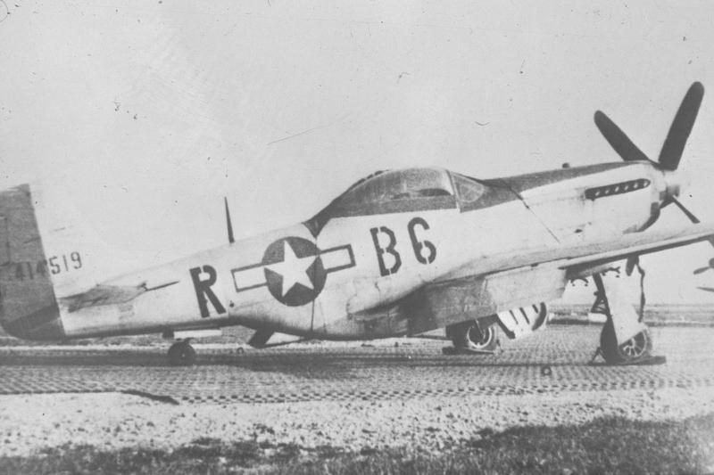 A P-51D Mustang (B6-R, serial number 44-14519) of the 363rd Fighter Squadron, 357th Fighter Group in spring 1945, at Munich airbase in Germany. Handwritten on slide casing: '357 F.G.'