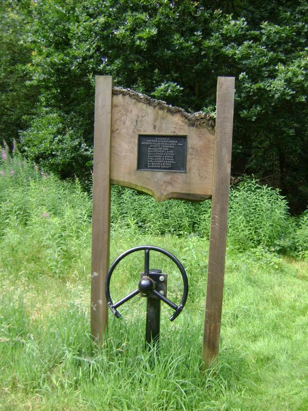 Memorial on North Tuddenham Common. B24 42-99979, Kentucky Baby, crashed near here on the morning of 21 April 1944