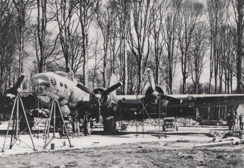 B-17 Flying Fortress serial no. 42-31242 nicknamed 'Patty Jo' of the 563rd Bomb Squadron, 388th Bomb Group. The 361st Fighter Group aquired 'Patty Jo' to use as a transport aircraft when the Group were based at Chièvres Airbase, Belgium. Museum object reference no. BAM_0457