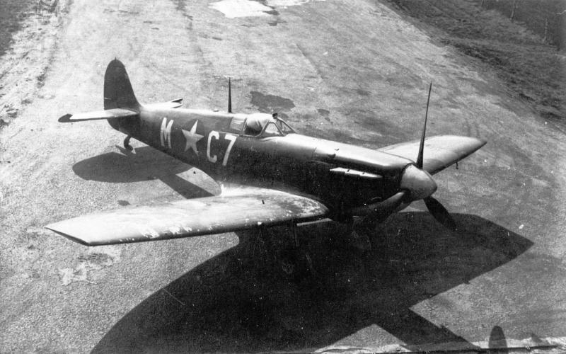 Supermarine Spitfire Mk Vb C7-M W3815 555 FTS, 496 FTG, 8AF Goxhill. Here shown with field modified clipped wingtips for improved low level performance.