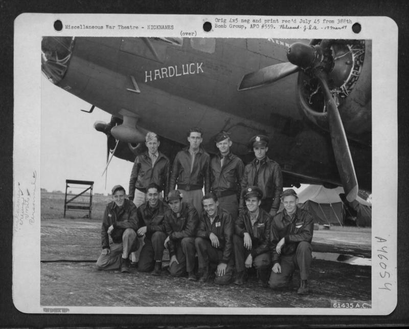 563rd Bomb Squadron crew in front of B-17 42-30193