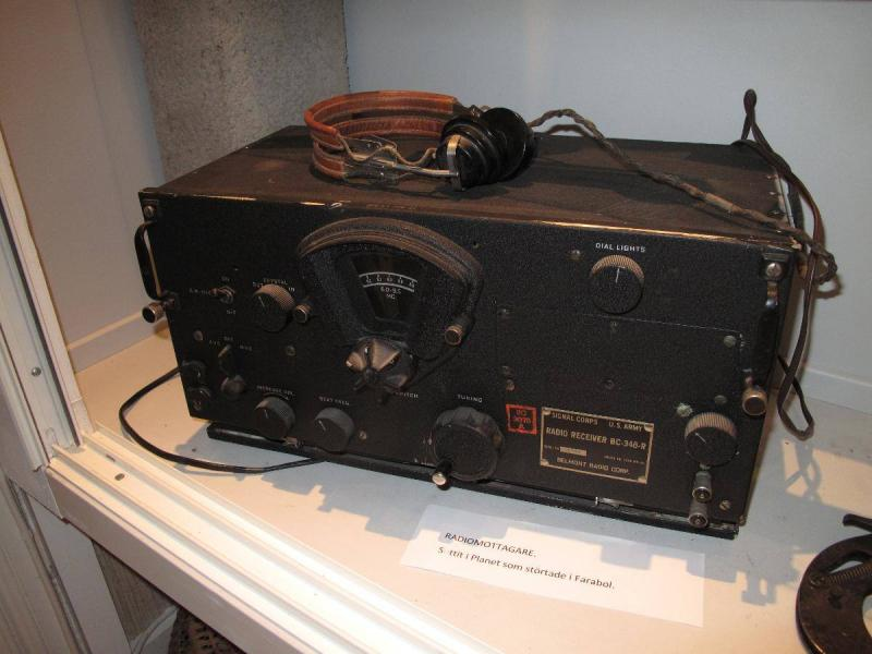 Salvaged radio receiver from B-17, 42-31192 (YB-R), crashed in Farabol, Sweden. On display on local exhibition.