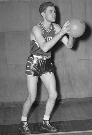 James L. King Co-Pilot - Bell Crew 44th BG - 68th BS KIA 24 February 1944 2X All-SEC 2nd Team basketball 2X All-SEC tournament team Played for Adolph Rupp at the University of Kentucky, 1939-1942