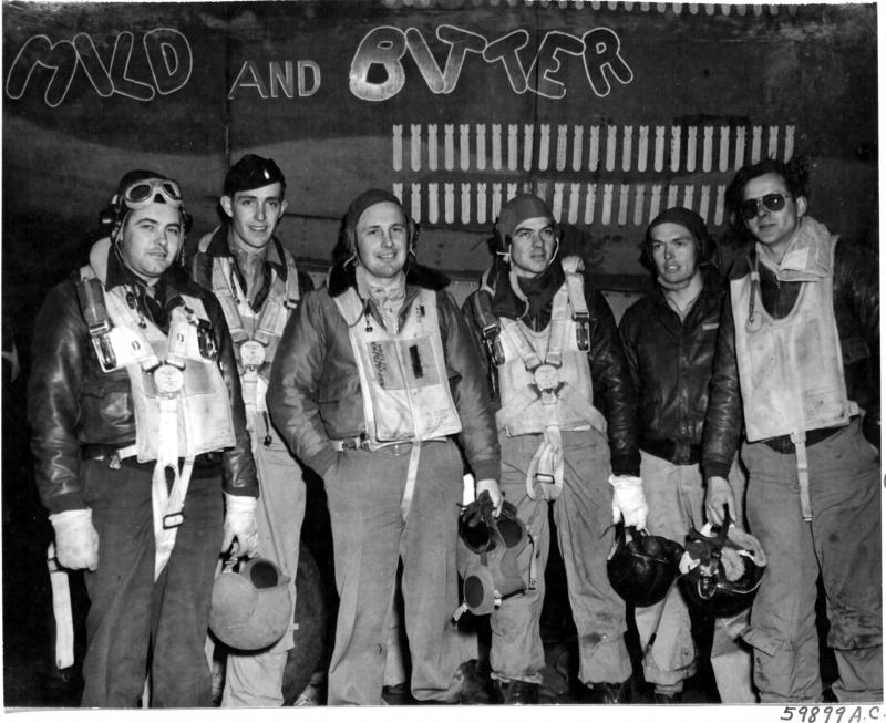 Paul Shannon crew in front of the B-26