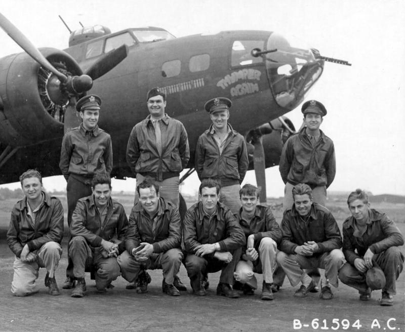 Lt Stallings and crew of the 360th Bomb Squadron, 303rd Bomb Group, based in England, pose in front of Boeing B-17