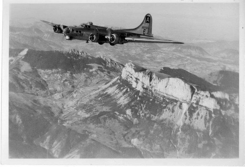 B-17 Flying Fortress (serial number42-97153) of the 94th Bomb Group in flight.