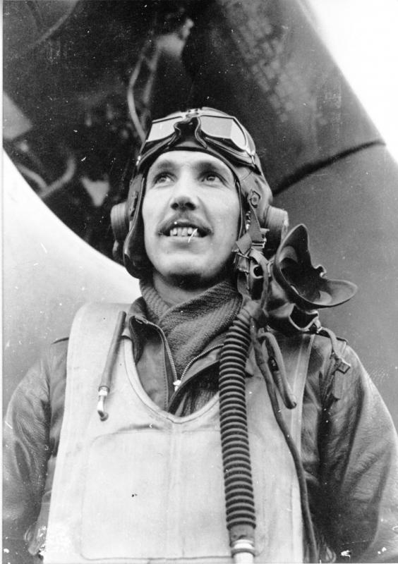 Capt. Glenn C. Bach of Olympia, WA, served with both the 369th and 368th Fighter Squadrons from January 1943 until his transfer to the 496 FTG in August 1944.  While with the 359th Fighter Group, Capt. Bach flew 102 missions for 303 combat hours and destroyed two E/A on the ground, damaging four more.