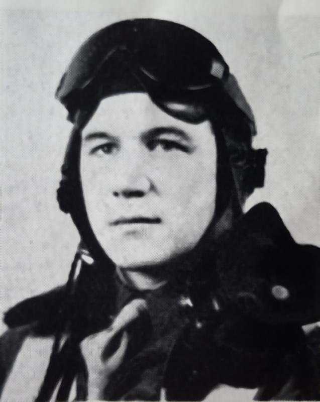From St. George, SC, Lt. Gwyn W. Bell enlisted in Miami Beach, FL, on 1 February 1943. He was assigned to the 370th Fighter Squadron on 28 March 1945 and flew seven combat missions with the 359th Fighter Group before completing his tour of duty in September 1945.