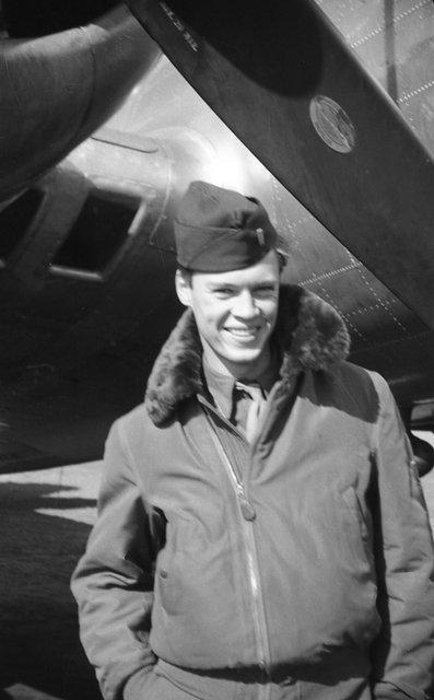 1LT Othello Dale Smith Pilot 388th BG - 562nd BS