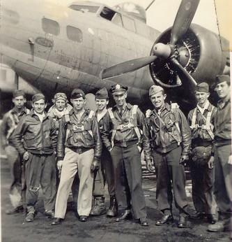 The Richard Lindahl crew.  Robert A McCauley is 4th from the left and Richard Lindahl is center.