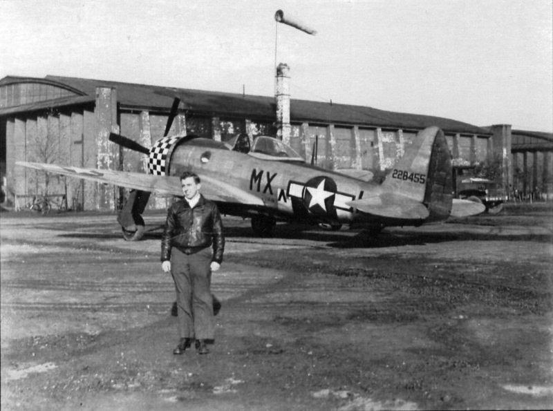"""Lt. Lawrence """"Larry"""" W Nelson, Warren, OH. 82nd Fighter Squadron, P-47D 42-28455 MX-L """"The Flying Falcon""""."""