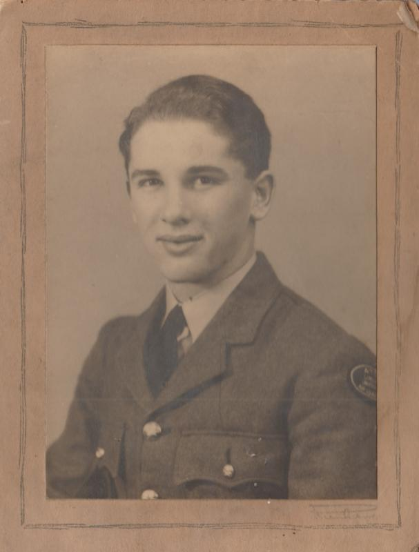 Derick Broadbank who trained at Falcon Field on Course 27 from 26 June 1945 to 10 September 1945