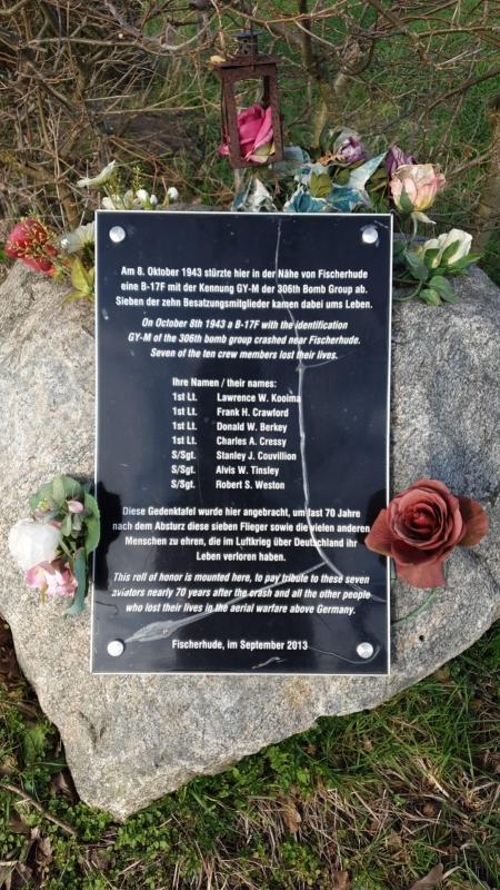 Memorial stone near Fischerhude, Germany, commemorating the death of seven members of the crew of B-17 Flying Fortress serial number 42-29959 on 8 October 1943.