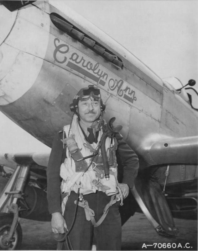 Col. Budd Peaslee, Commanding Officer, Scouting Force (Experimental) with his P-51D Mustang 44-13283 YF/-A